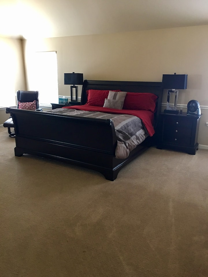 Private suite near base/I20, quick Med Commute