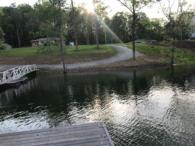 Twin lake resort 295 w/boat launch and boat dock