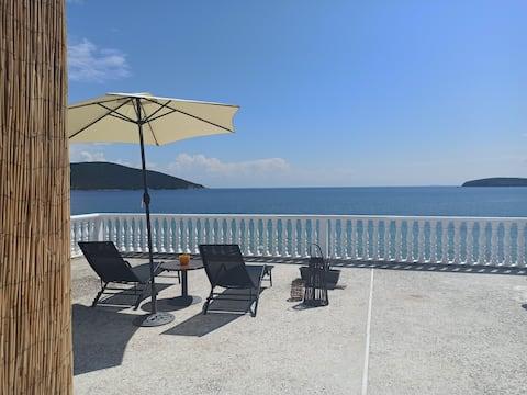 Sea View Anastasia