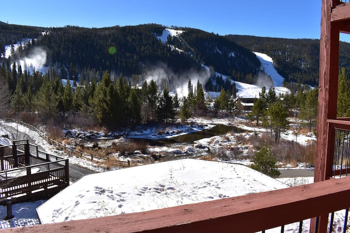 Walk, Shuttle to Keystone Slopes, Dining, Shops, Rec Path. Deck on River