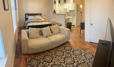 Lotus A: Spacious Studio Apartment @  Lotus House