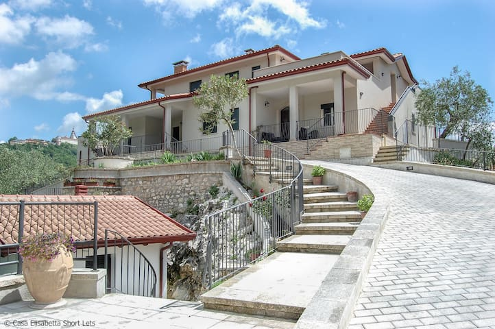 Casa Elisabetta Short Lets/Apart. Limone - Caposele - Appartement