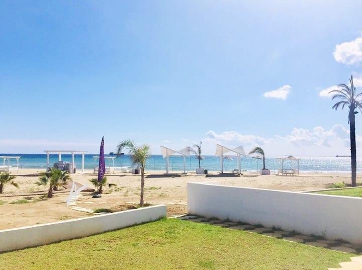 Beachfront 3 bedrooms apartment Caesar Beach