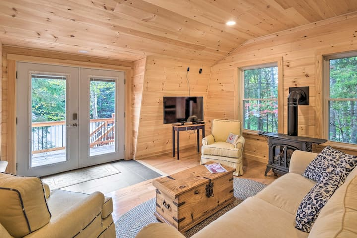 Cozy Apt w/Deck, 5.5 Mi to Acadia Nat'l Park!