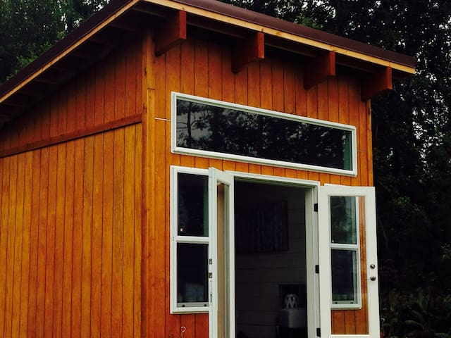 Tiny House with Glacier River View - Talkeetna - Hus