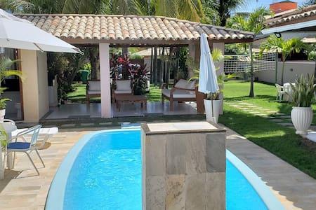 Guarajuba casa mobiliada 3/4 com piscina