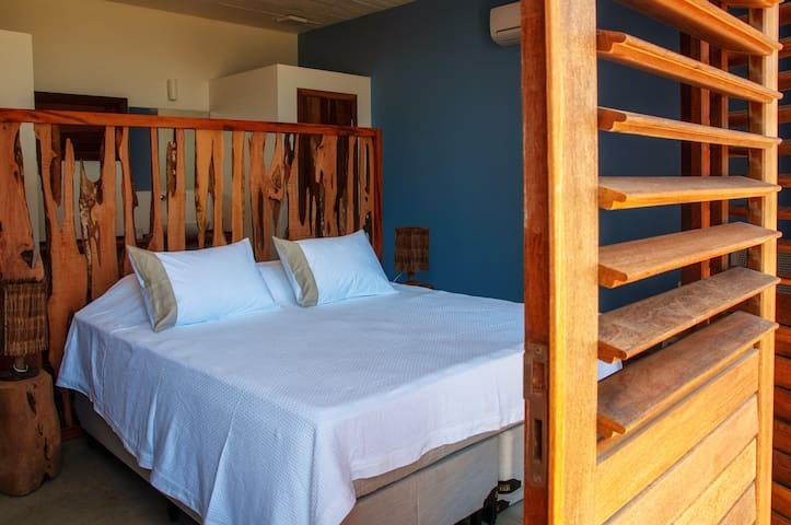 Chambre avec lit kingsize ou kingsize et  1 lit simple ou 3 lits simples. A vous de choisir