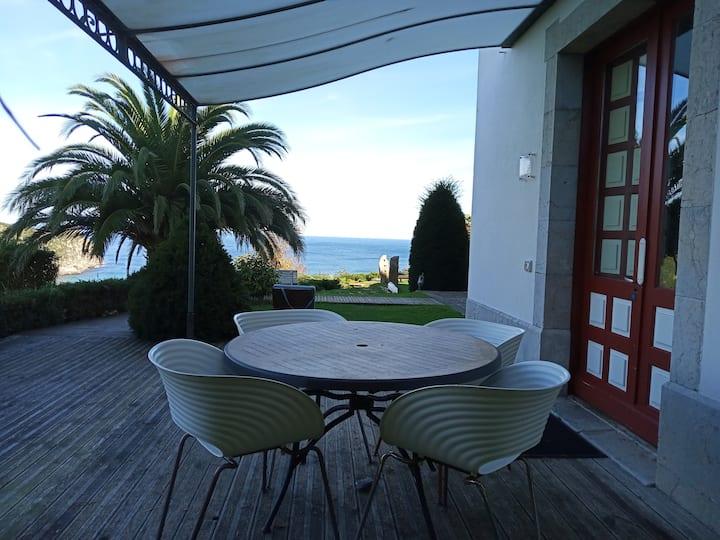 Apartamento LEKEITIO terraza, jardín y vistas mar