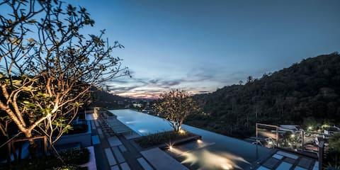 Luxury Room / Roof Top Pool / Phuket Town #H157