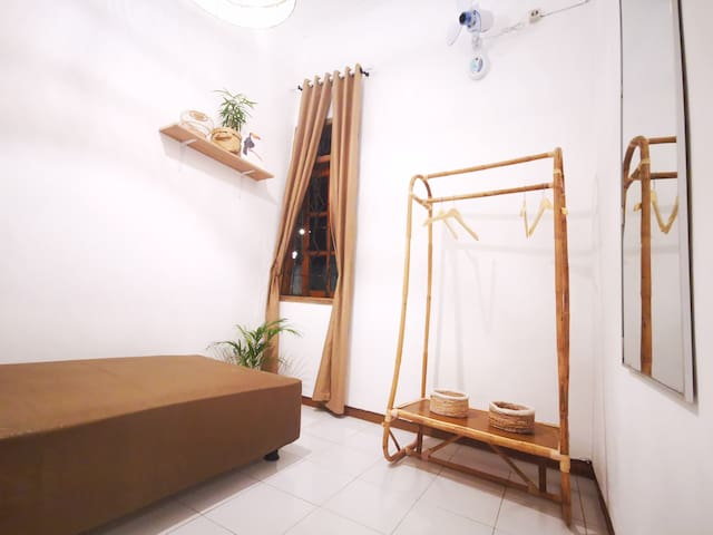 Private Single Room near Ijen