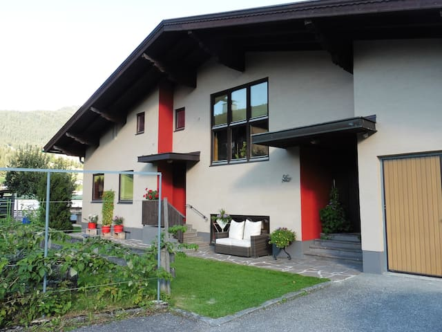 Eingang (links) Apartment - Moser