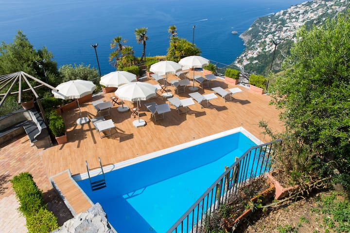 1. CASA TIZIANA 1, STUNNING PROPERTY WITH SEA VIEW