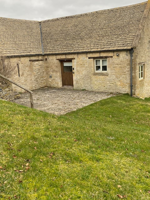 Cotswold Bliss Bothy