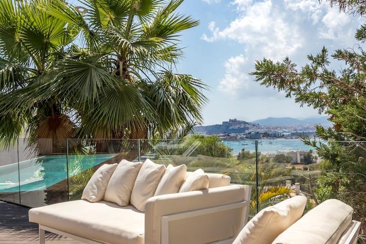 Ubér Luxury Sea-View 6/7 Bedroom & 8 Bathroom