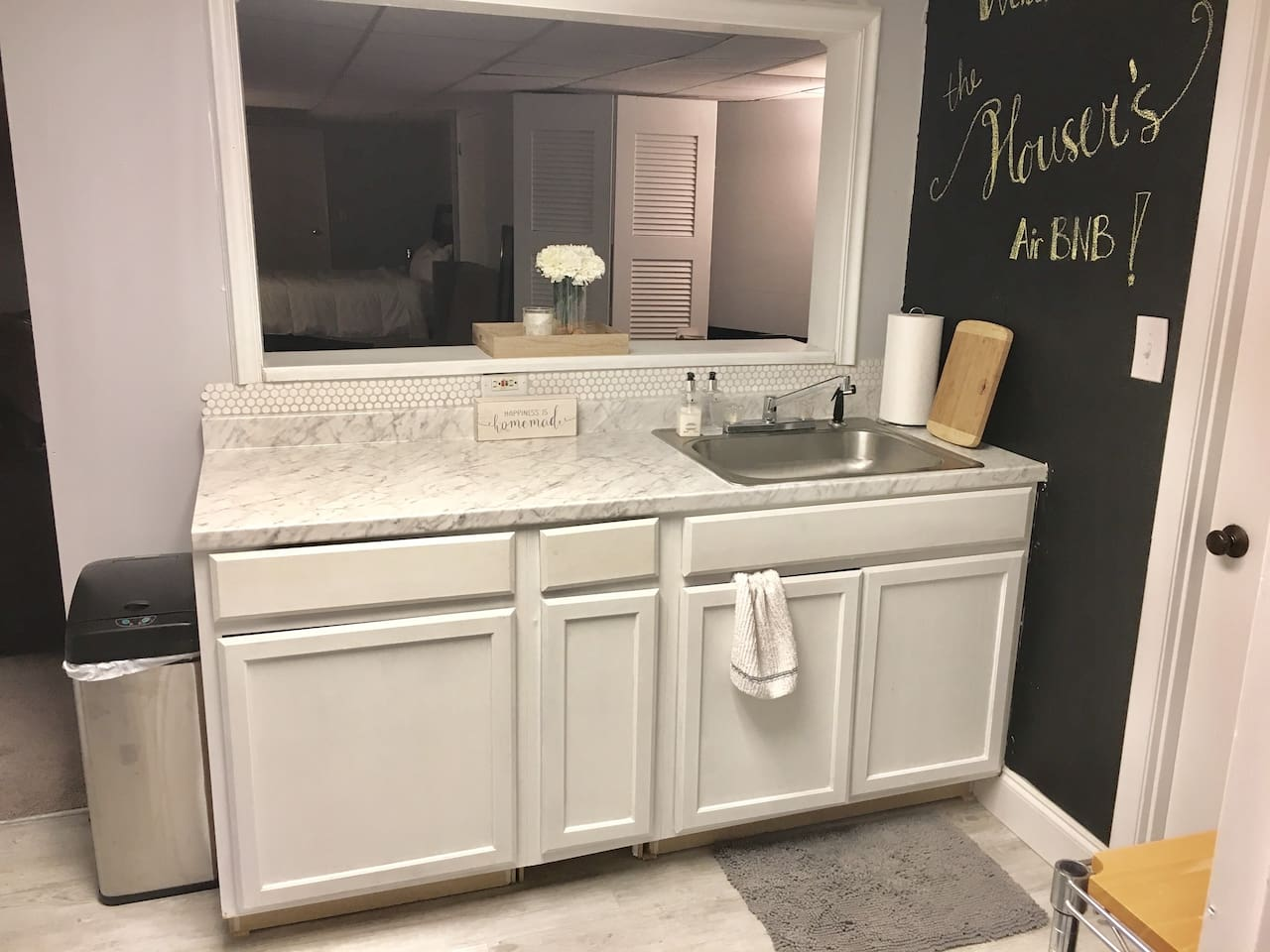 Our fully renovated kitchenette.