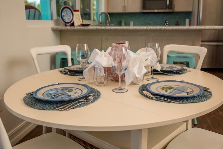 Indoor dining seats 4