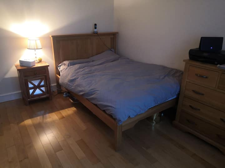 Double room available in Pinner