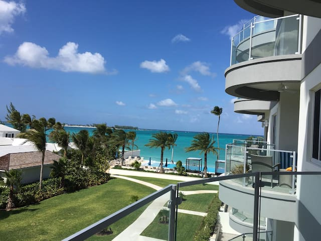 Stunning Cable Beach Condo with Balcony