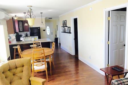 Downtown Lexington Getaway - Lexington - Apartamento