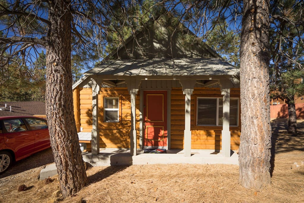 Bearly home cabin big bear lake ca cabins for rent in for Big bear cabins california
