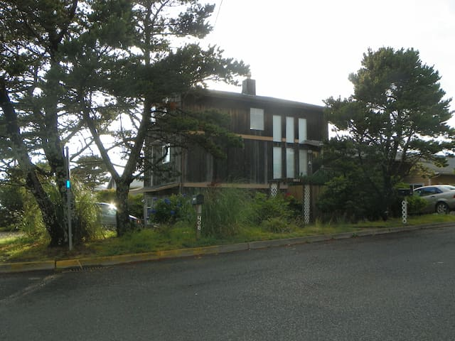 Beachy House on Lake Street - Newport - Appartement