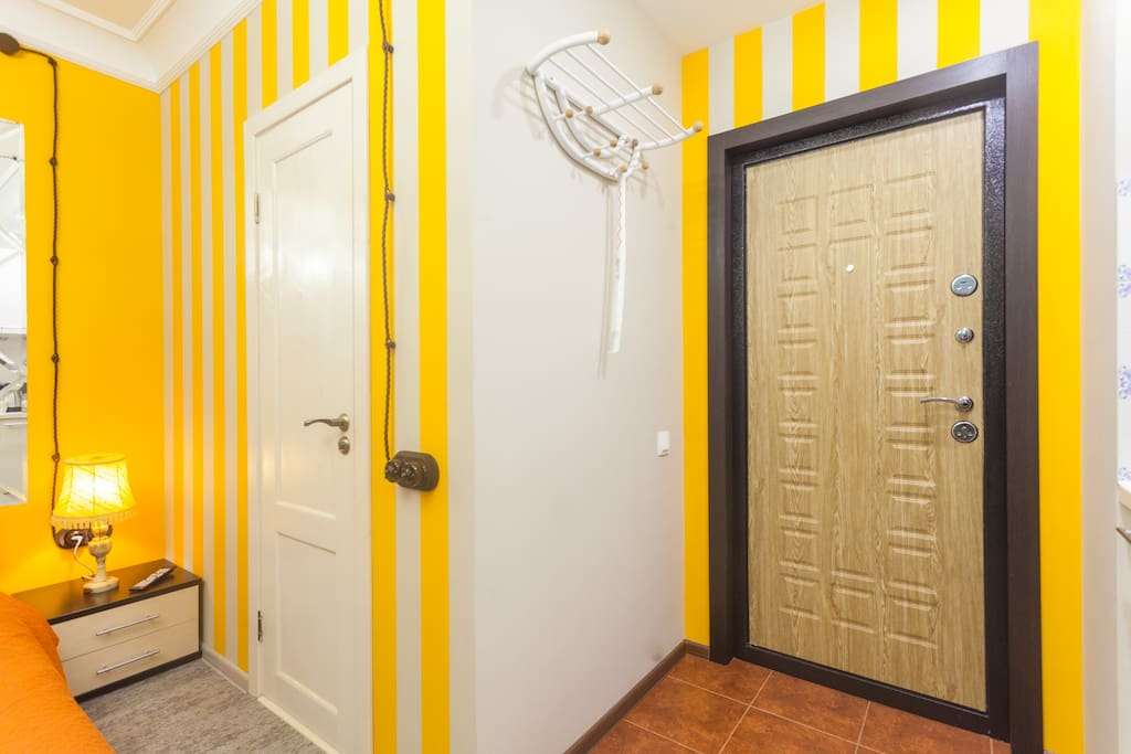 Вешалка для верхней одежды