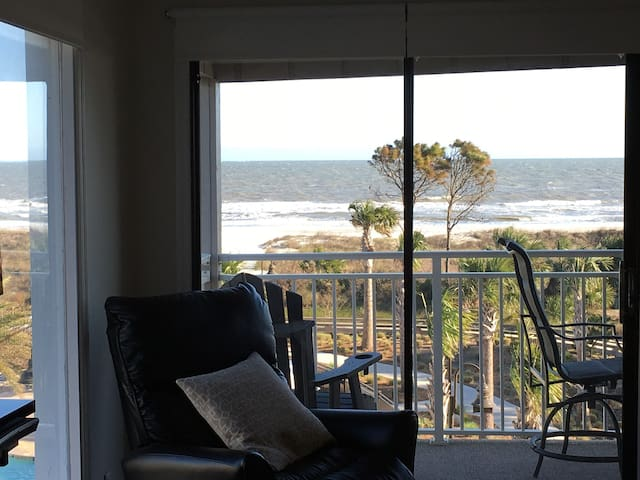 """True 270 degree direct ocean front view from kitchen. 55"""" Samsung QLED Smart TV"""