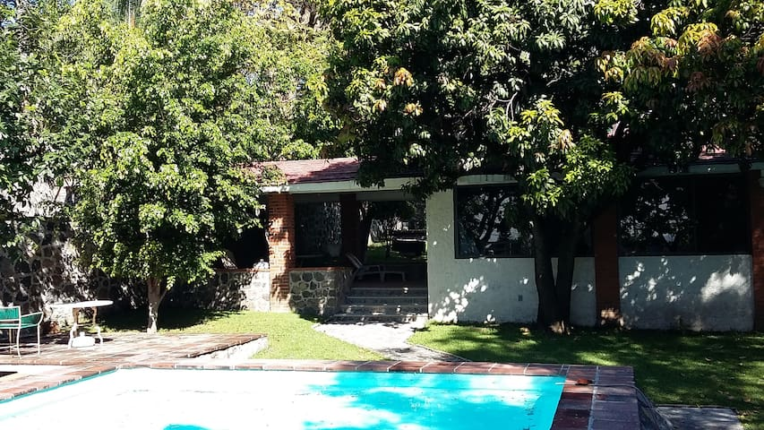 Cozy Country House with pool and big yard. - Temixco - House