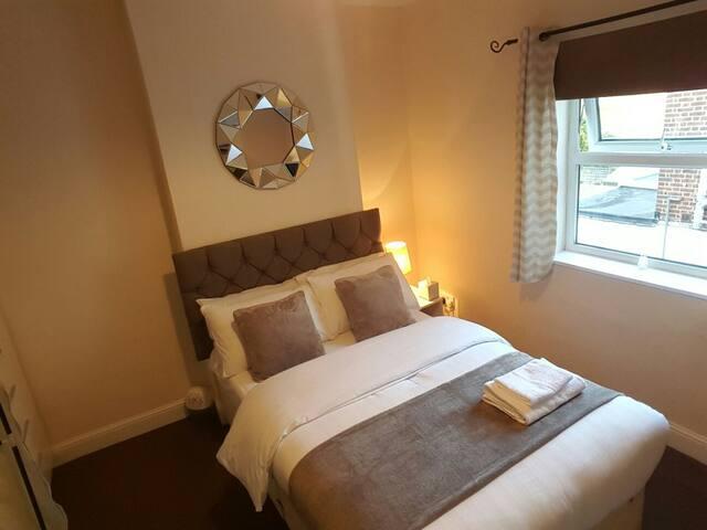 Cozy Double Bedroom