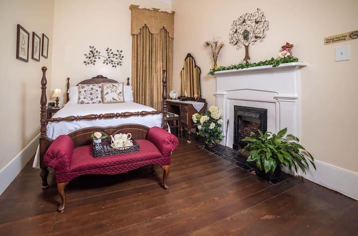 Bluebird Bedroom in The Bell House B&B