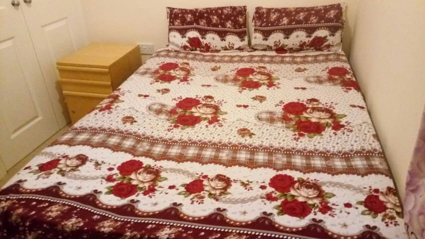 Bright and Cosy Town Centre Double Room