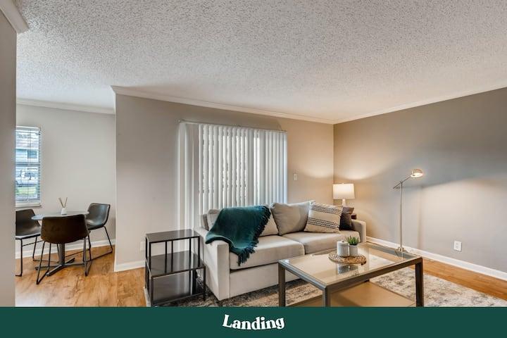 Landing | Modern Apartment with Amazing Amenities (ID1257)