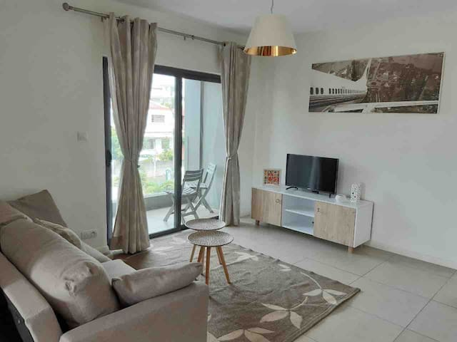 Luxury apartment 5 minutes from the Ebène district