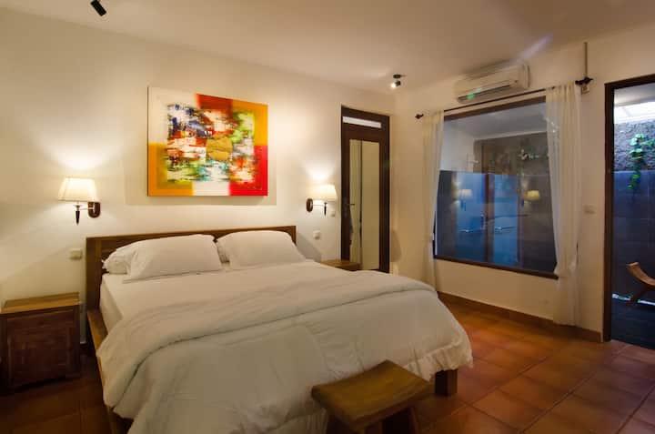 Puri Ceraki 1 - Private Room Close to the Beach