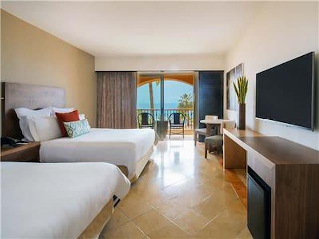 Nice Bedroom in Fiesta Americana Los Cabos Villas