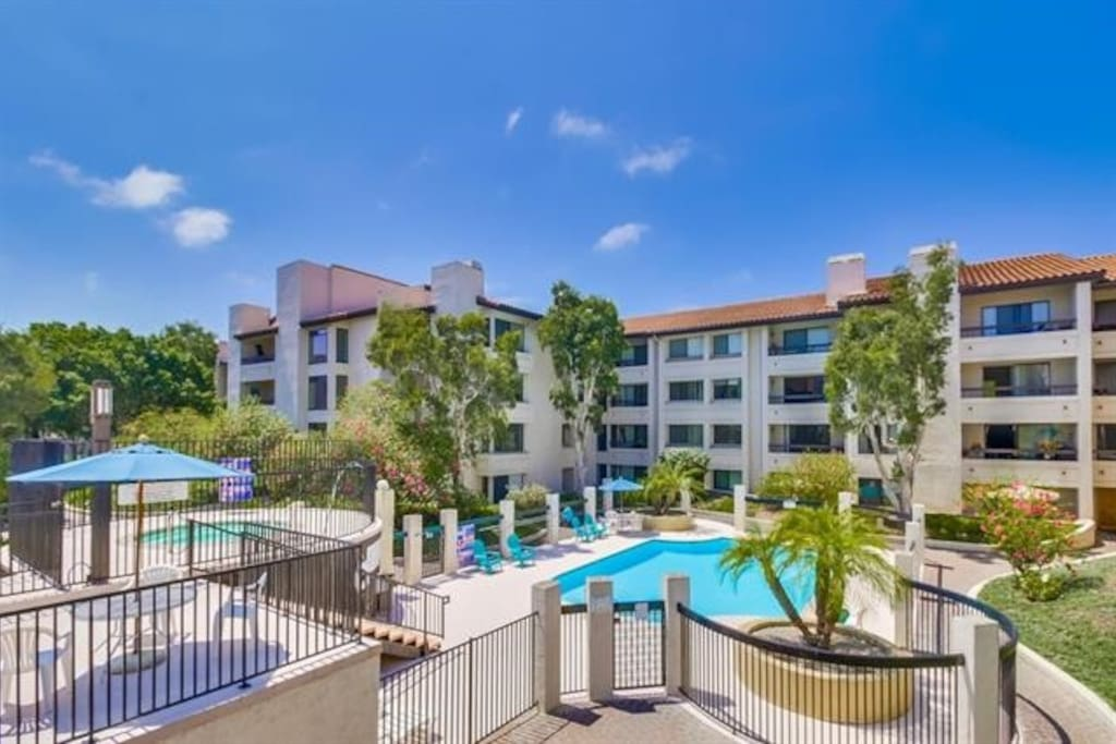 Private Bath And Bed Resortlike Amenities Central Condominiums For Rent In