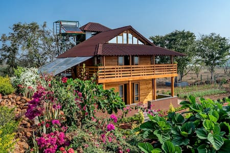 Thenkani Organic Farms - 2 Bedroom Wooden Chalet