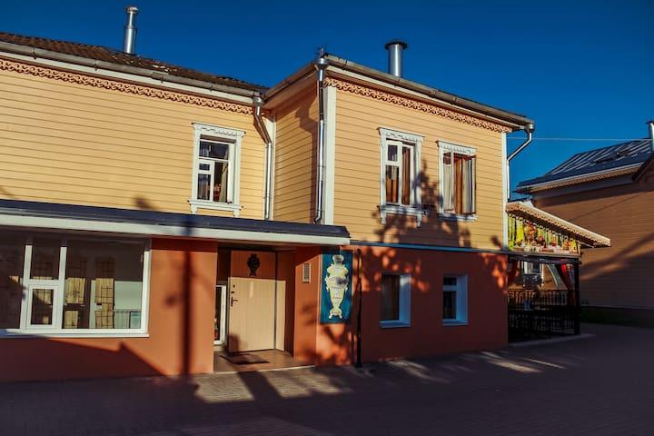 Уютный семейный двухкомнатный номер - Kolomna - Haus