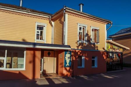 Уютный семейный двухкомнатный номер - Kolomna