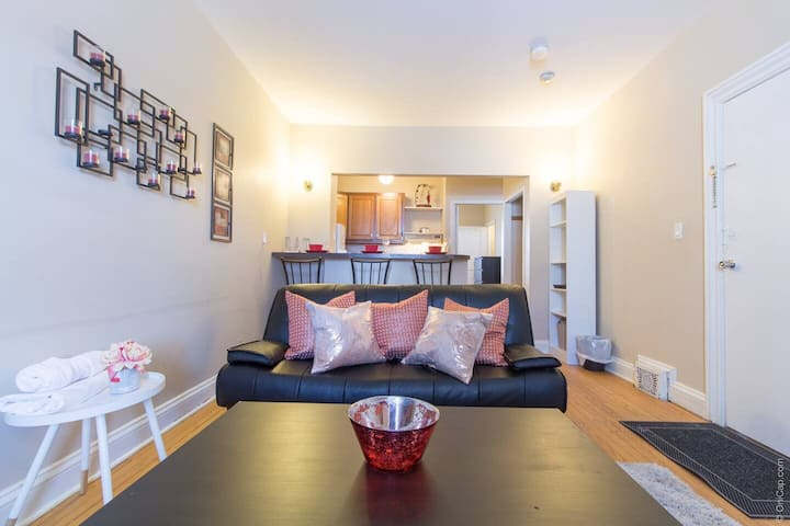 Cozy One Bedroom-Steps to Byward/Parliament