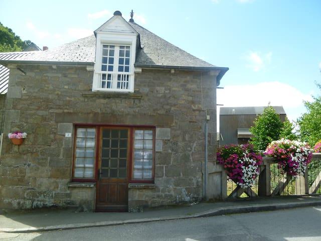 Rosette Cottage