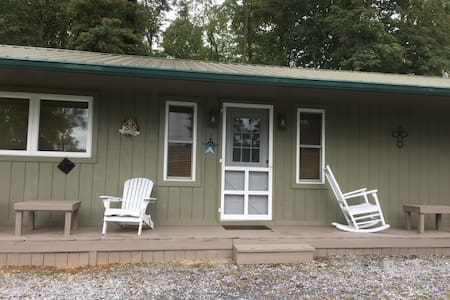 2br 1ba cabin on creeper trail