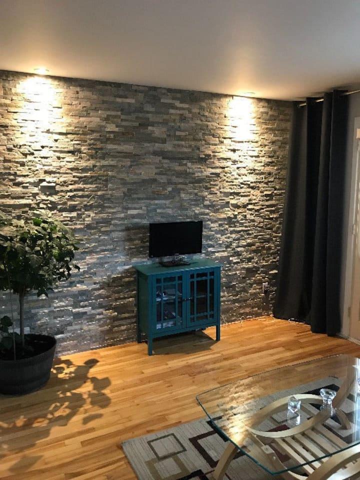 Très propre et charmant appartement à Montréal