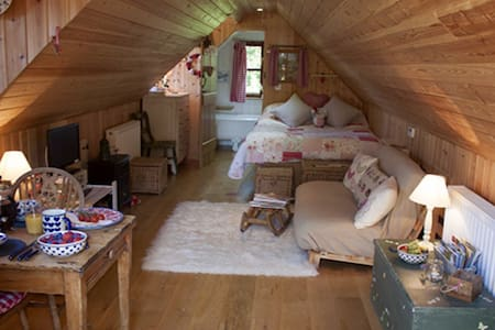 Hay Loft - Bed & Breakfast