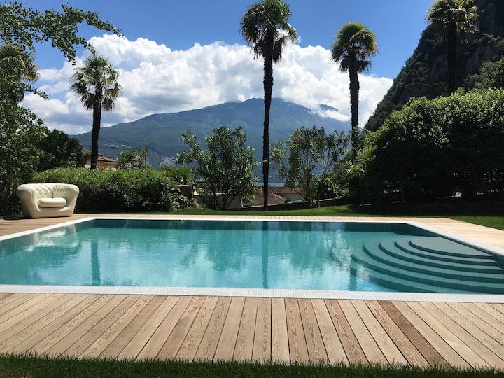 Tristan - 2/4 pax- in Villa Angelica