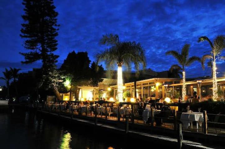 Ophelias On the Bay - the place to fall in love