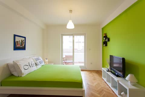 Green Studio ⭐ Central ⭐ Close to Waterfront