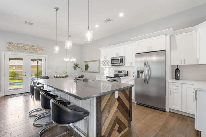 New Remodel in Old Town w/ Heated Pool