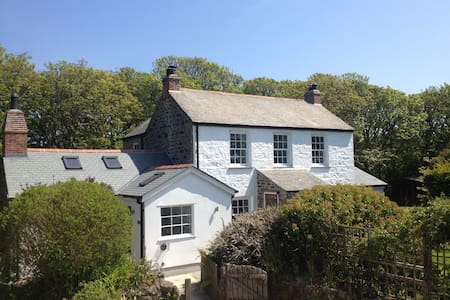The Farmhouse, Coverack, Cornwall - Coverack