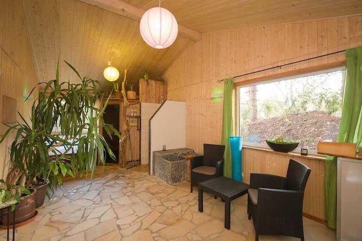 Ferienhaus Wellness, Sauna, Badezuber, Waldstück